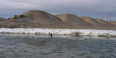 Green River near Green River, Wyoming, December 2004, streamgage and water-quality monitoring site